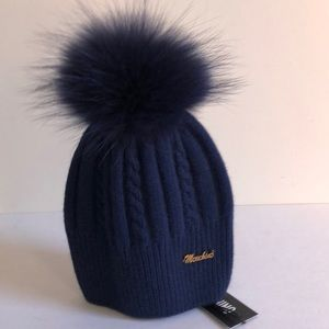 Moschino winter hat w/ raccoon fur Pom navy new